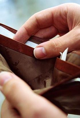 Australian Wages Falling: Is your lifestyle under threat?